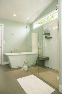 Làm vách kính nhà tắm