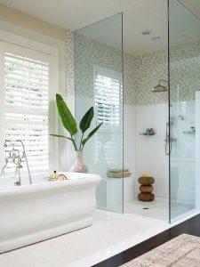 Vì sao nên chọn vách kính cường lực phòng tắm
