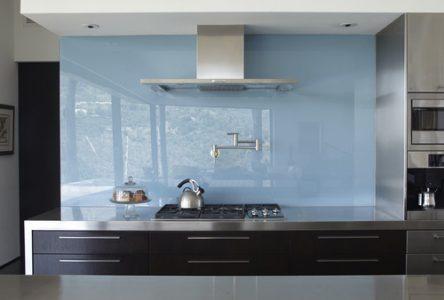 Các màu kính bếp đẹp được được yêu thích nhất hiện nay